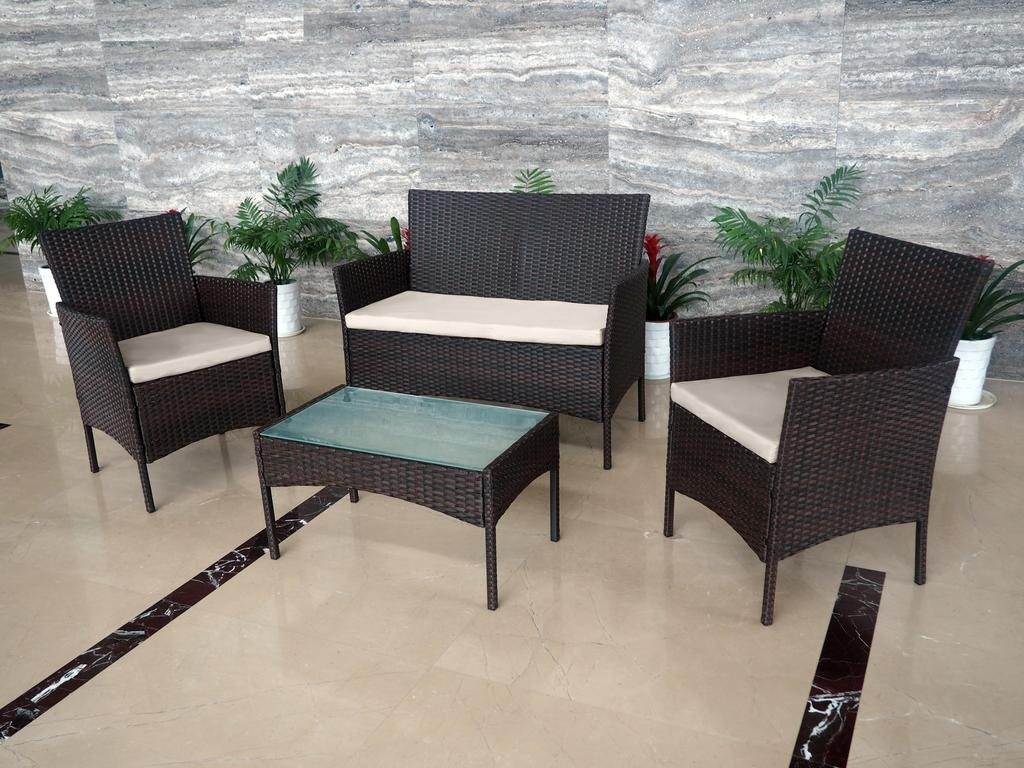 4 Piece All Weather Rattan Garden Furniture Set For Indoor